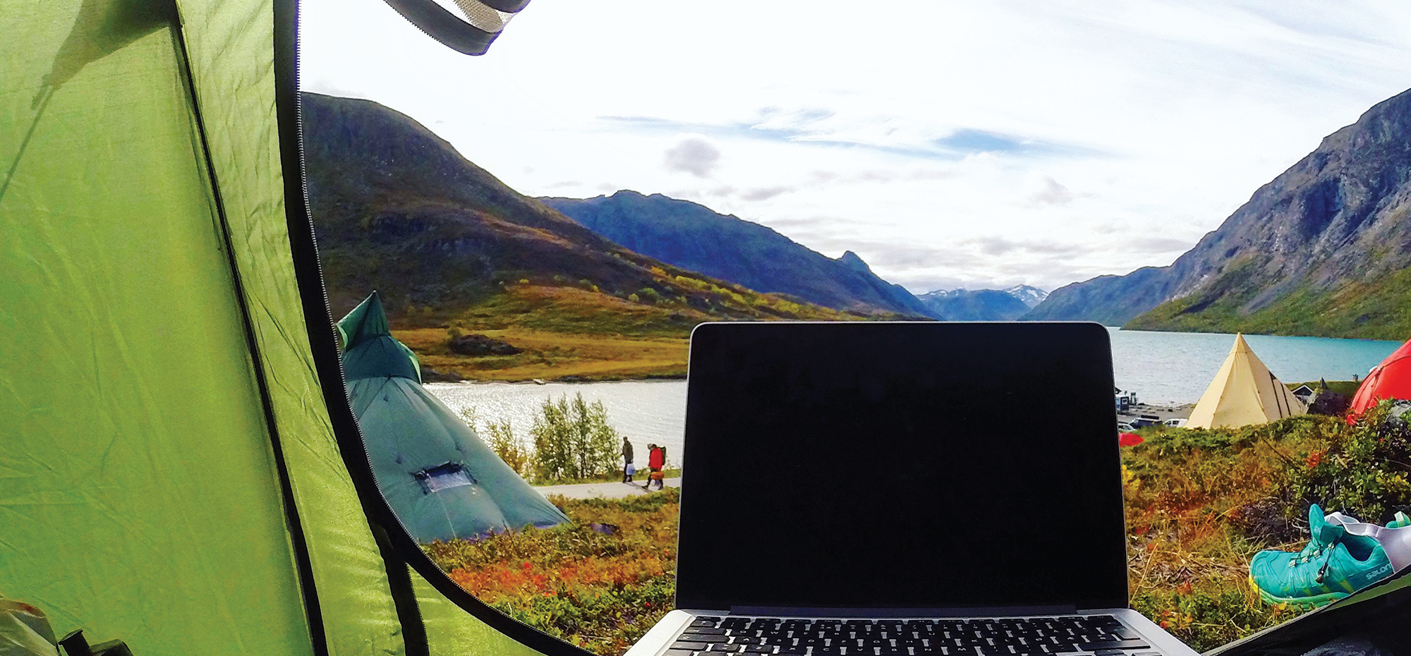 Digital Nomads  3 People Using the Internet to Take Charge of Their Work  Lives 699e183dd8306